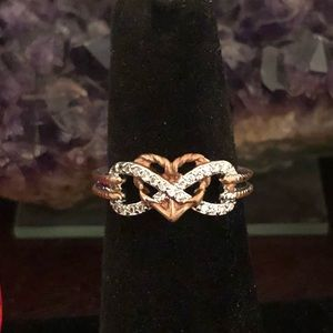 Jewelry - 🆕 Cute Two Toned Heart Ring